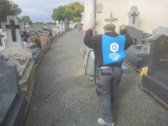 Entretien du cimetière de Saint-Ganton